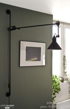 the rnovation of a loft by stephan bidoux Living Room Green, My Living Room, Küchen Design, Modern Design, Cozy Office, Bedroom Decor, Wall Decor, Lighting Concepts, Metal Clock