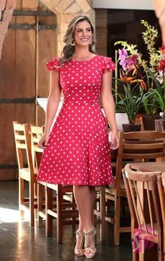 Simple Summer to Spring Outfits to Try in 2019 Frock Fashion, Fashion Dresses, Cotton Shirt Dress, Vintage Mode, Girls Fashion Clothes, Everyday Dresses, Diy Dress, Latest Dress, Classy Dress