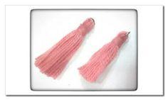 pompon con argolla rosa Palo
