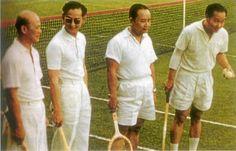 เมื่อครั้งในหลวง ร.9 ทรงเล่นเทนนิสเป็นกีฬาอีกหนึ่งชนิดที่ทรงโปรด King Phumipol, King Rama 9, King Of Kings, King Queen, King Thailand, Queen Sirikit, Bhumibol Adulyadej, Great King, Great Leaders