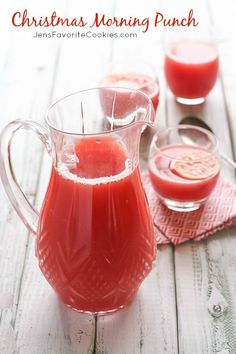 Christmas Morning Punch from JensFavoriteCookies.com - you'll love this quick and easy fruity punch for Christmas morning or holiday parties!
