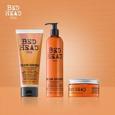 THERAPY FOR COLOURED HAIR aggiunge lucentezza e prolunga la durata del colore accentuando i riflessi bruni, rossi e castani