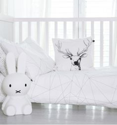 Pure cotton duvet cover with a huge geometric spider web @oohnoo_official