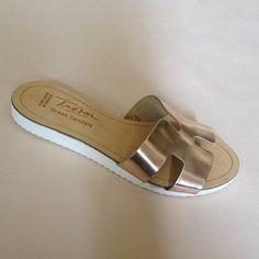 Greek Sandals (Δερμάτινα :: Πέδιλα, Σαγιονάρες, Παντόφλες) @ www.GreekShoes.Net > Κωδικός: 260.513 > Μεγέθη: Νο.35-Νο.41 (τιμή 30€) & Νο.42-Νο.45 (τιμή 40€) > Σόλα: Σφήνα ή Φλάτ   Λευκή ή Μπέζ > Xρώματα: Ταμπά, Μαύρο, Άσπρο, Φυσικό, Χρυσό, Χαλκός, Κοραλί, Κίτρινο, Μπλε Greek Sandals, Slippers, Flats, Shoes, Fashion, Loafers & Slip Ons, Moda, Zapatos, Shoes Outlet