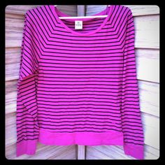 VS PINK striped top Awesome condition! Hardly worn. 60% cotton 40% polyester PINK Victoria's Secret Tops Tees - Long Sleeve