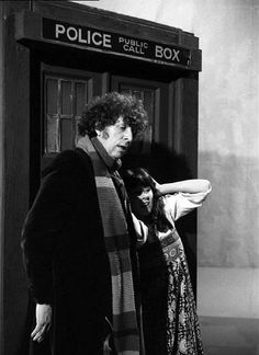 The Fourth Doctor and companion, Sarah Jane Smith.aka, Tom Baker and Elizabeth Sladen. I Am The Doctor, 4th Doctor, First Doctor, Sarah Jane Smith, Doctor Who Companions, Classic Doctor Who, William Hartnell, Great Tv Shows, Matt Smith