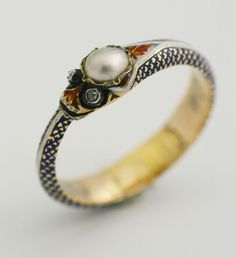RARE VICTORIAN ENAMELED SERPENT RING