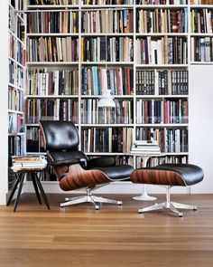 Charles Eames Lounge Chair: www.utilitydesign… Charles Eames Lounge Chair: www. Charles Eames, Lounges, Home Design, Design Ideas, Design Design, Modern Furniture, Furniture Design, Lounge Chair Design, Eames Chairs