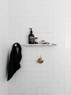 Kitchen Interior Design est living decus interiors woollahra house 6 - The team at Decus Interiors take their charisma and consistency to reinvent a Woollhara Home where no two spaces are the same and a surprise lies around every corner.