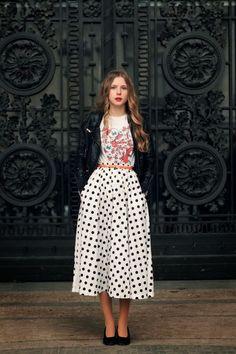 Street Scene Vintage: Midi Skirts