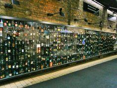 Brujas-Brugge: 2be Beer Wall, Cervecería en Wollestraat 53 de Brujas