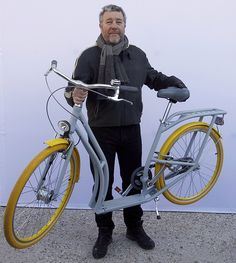 Philippe Starck's PIBAL, an Urban Hybrid Bike/Scooter, Gets Produced In 3000 Units by Peugeot.