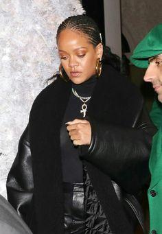 Rihanna Arrives at Annabel's Private Members Club in London, Minimalist Chic, Rihanna Fenty, St Michael, Celebs, Celebrities, Celebrity Style, Hair Beauty, Singer, Street Style