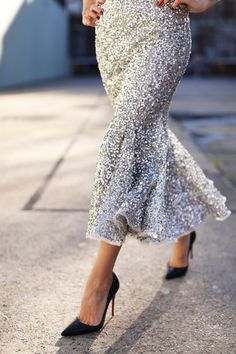 Silver sequin fit an