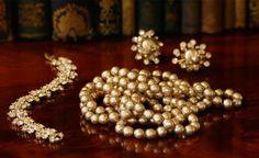 vintage Miriam Haskell pearls