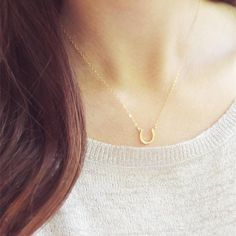 Gold Leaf Necklace/ Made to Order Maple Leaf Charm Canadian Girl Gift/ Custom Minimalist Necklace Nature Lover Gift/ Graduation Gift - Fine Jewelry Ideas Horseshoe Necklace, Horse Necklace, Leaf Necklace, Boho Necklace, Boho Jewelry, Fashion Necklace, Women Jewelry, Danty Necklace, Jewlery