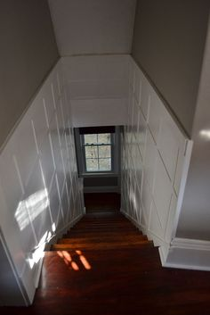 so-far house: Hallway and stairway board and batten - bsmt stair?board and batten - bsmt stair? Basement Renovations, Home Remodeling, Staircase Molding, Moulding, Basement Stairway, Basement Entrance, Stair Walls, Staircase Makeover, Foyer Decorating