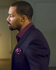 Omari Hardwick aka Ghost on Showtime's TV Show Power. Sharp Dressed Man, Well Dressed Men, Black Is Beautiful, Gorgeous Men, Traje Casual, Handsome Black Men, Black Man, Grown Man, Classic Man