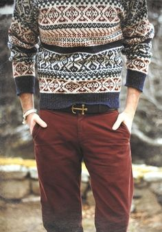 The pairing of a navy fair isle crew-neck sweater and burgundy chinos makes this a cool relaxed casual menswear style. Sharp Dressed Man, Well Dressed, Look Fashion, Winter Fashion, Mens Fashion, Nordic Fashion, Fashion 2015, Fashion Gallery, Ethnic Fashion