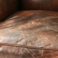 Cleaning leather sofas without damaging the material. Cleaning Leather Sofas, Old Boots, Leather Material, Mattress, Ottoman, House Ideas, Furniture, Home Decor, Decoration Home