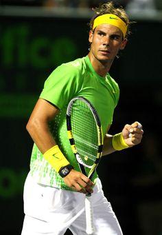 Rafa Nadal - Sports et équipement - Tennis - Nike Rafael Nadal, Play Poster, Tennis Online, Tennis Equipment, Tennis Tips, Nike Tennis, Serena Williams, Roger Federer, Best Player