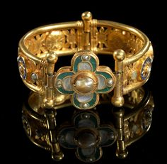 Pair of gold bracelets with lapis lazuli, pearl and glass. Early Byzantine, 5th - 7th century A.D.