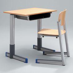 Dag 172 van 2555; blijf bij je tafel daar is het veilig!    http://dagboekvoorhetleven.wordpress.com/2013/01/22/dag-172-van-2555-blijf-bij-je-tafel-daar-is-het-veilig/
