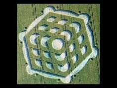 2010 at Danebury Hill Aliens And Ufos, Ancient Aliens, Ancient History, Crop Circles, Nazca Lines, Ancient Egyptian Art, Ancient Greece, Alien Art, Ancient Artifacts