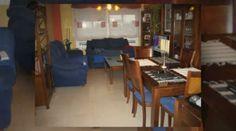 http://www.inmoarabial.com/propiedades/2020 ◄◄ MAS INFO AQUI (Telf.: 646 962 980)  Venta Piso Granada, muy próximo a la conocida zona del Parque Almunia, con 3 dormitorios, 2 baños, cocina totalmente equipada, salón muy luminoso de 22m2, amplia terraza con agradables vistas, armarios empotrados, calefacción individual, a.a. en salón, solería de mármol, carpintería interior en roble, carpintería exterior tipo climalit, plaza de garaje incluida. Residencial con piscina y pistas deportivas.