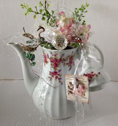 Home accessories - Coffee pot Shabby decorated white-pink - e .- Home Accessories – Coffee pot Shabby decorated white-pink – a unique product by gittirai on DaWanda - Unique Home Accessories, Unique Home Decor, Minimalist Furniture, Classic Furniture, Types Of Carpet, Deco Floral, Sofa Upholstery, Patterned Carpet, Decorative Items