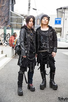 Harajuku duo in all-black Sex Pot Revenge looks. Fuuga, on the left, is on Twitter.