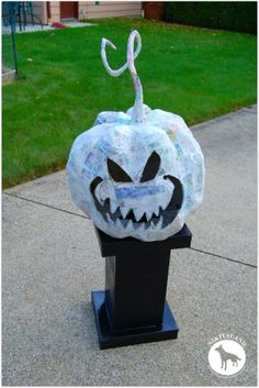 How to make a paper mache stand