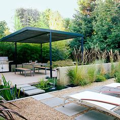 Easy-care outdoor living and dining rooms