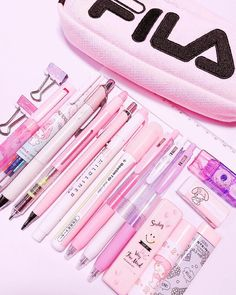 Pencil Case Aesthetic Diy _ Pencil Case Aesthetic - Best Picture For diy For Your Taste You are looking for something, and it is going to tell you ex - Stationary School, School Stationery, Kawaii Stationery, Stationary Design, Tumblr School Supplies, Back To School Supplies, Japanese School Supplies, Diy Pencil Case, Pencil Cases