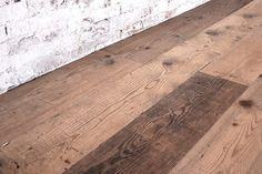 Interior design recupero il parquet di recupero a tre strati con essenza di vecchio abete prima patina è realizzato in tavole bisellate di varie dimensioni con il classico sistema ad incastro. la finitura ad olio o cera SESTINI E CORTI