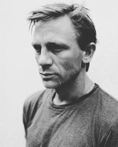 Daniel Craig...he was really handsome in the invasion.