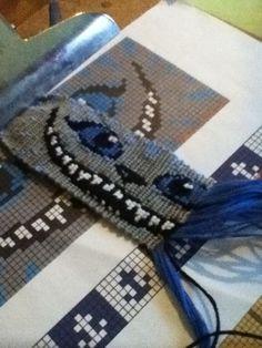 Added by caramelmou Friendship bracelet pattern 6383 #friendship #bracelet #wristband #craft #handmade #alice #wonderland #cat: