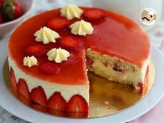 A recipe that will sublime your strawberries and will take you to a French pastry chef level! - Recipe Dessert : Fraisier cake, the french way to heaven by. French Sweets, French Cake, French Pastries, Food Cakes, Bolo Genoise, Cake Recipes, Dessert Recipes, Recipe Steps, Cake Tins