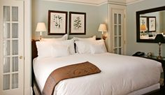 East Hampton Point: Rooms and suites have private entrances and soothing color schemes.