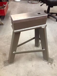 Naked anvil induction forge