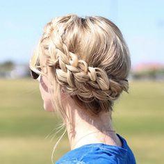 """""""I love crown braids but, I feel like they can be really complicated for my fingers to figure out sometimes so I love doing this simplified crown braid…"""""""