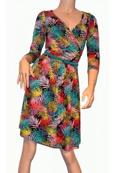 Rochie Palmy, MONIQUE cu imprimeu cu frunze colorate intens #rochii2013 Juicing, Dresses With Sleeves, Long Sleeve, Fashion, Moda, Juice, Gowns With Sleeves, Fashion Styles, Fasion