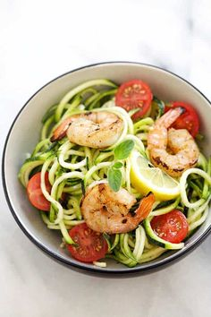 Zucchini Noodle Salad - healthy and refreshing salad made with zoodles or zucchini noodles. Topped with grilled shrimp and lemon-honey dressing. Salad Recipes For Dinner, Easy Salad Recipes, Whole Food Recipes, Delicious Recipes, Dinner Salads, Pasta Recipes, Zucchini Noodles Salad Recipe, Caprese Salad Recipe, Veggie Noodles