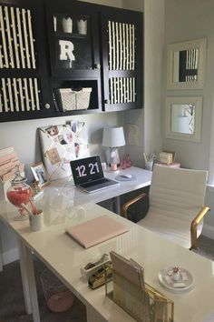 Trendy home office desk l shape dreams ideas - Ikea DIY - The best IKEA hacks all in one place Mesa Home Office, Cozy Home Office, Home Office Space, Home Office Desks, Office Decor, Ikea Office, Office Spaces, Work Spaces, Small Spaces