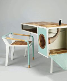 A Different Desk from the Rest Yanko Design Diy Furniture, Modern Furniture, Furniture Design, Furniture Plans, Modular Furniture, Bedroom Furniture, Luxury Furniture, Furniture Makeover, Garden Furniture
