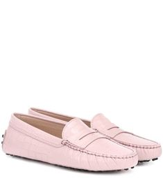Shop Gommino embossed leather loafers presented at one of the world's leading online stores for luxury fashion. Designer Shoes Online, Europe Outfits, Denim Sneakers, Gucci Kids, Summer Sunglasses, Suede Loafers, Metallic Leather, Street Style Women, Calf Leather