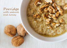 Bez Papriky: Walnut porridge/ Ovesná kaše s vlašskými ořechy a medem Cereal, Oatmeal, Breakfast, Blog, The Oatmeal, Morning Coffee, Blogging, Breakfast Cereal, Corn Flakes