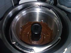 Base, Chocolate Fondue, Mini, Fruit, Food, Chocolate Cream, Chocolate Fondant, Sweet Recipes, Cooking Recipes
