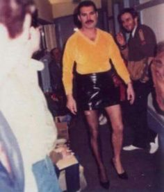 Freddie Mercury in drag (rare) Save The Queen, I Am A Queen, Rock And Roll, Queen Videos, Ben Hardy, Queen Photos, We Will Rock You, Queen Freddie Mercury, Queen Band