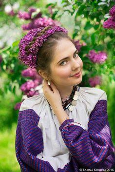 Ukrainian beauty in folk costume